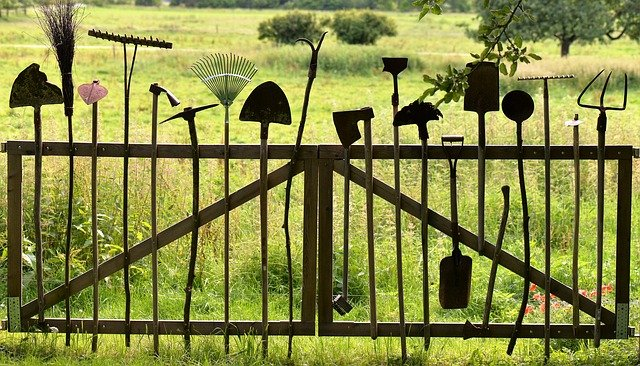care and maintain your garden tools